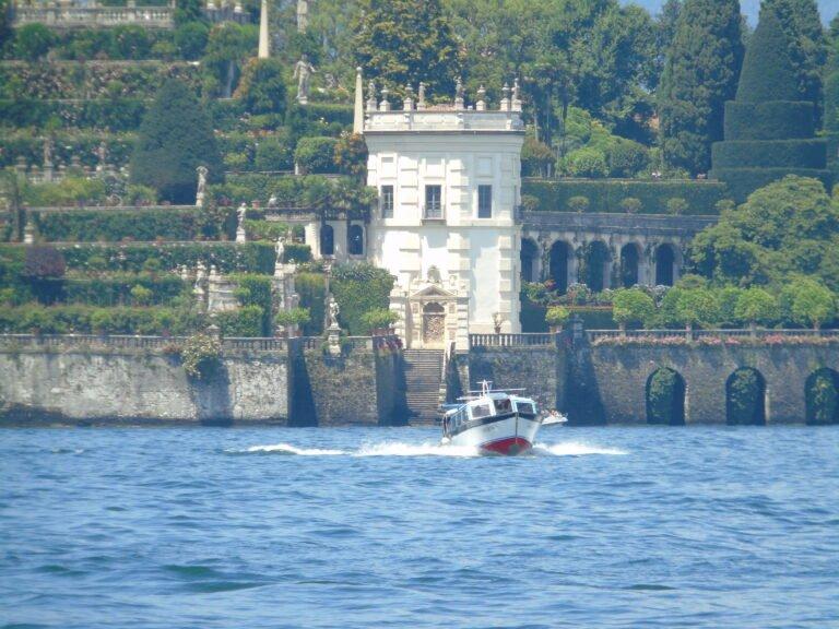 Lago Maggiore, tra ville e giardini